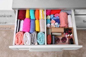 Как сложить вещи в шкафу компактно - идеи для жизни